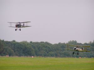SE5A (left) with the Sopwith Pup (right) landing.