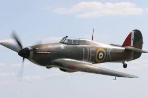 AE997 in flight. Image courtesy of Biggin Hill Heritage Hangar.
