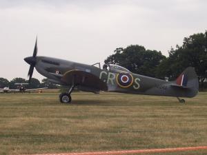 Spitfire Ltd's Mk XVI Spitfire at Woodchurch.