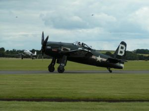 Stephen Grey taxiing the Bearcat following the Joker slot in 2008.