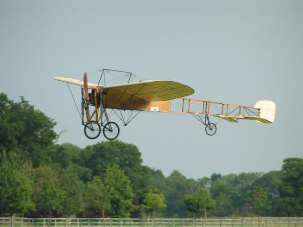 Shuttleworth's Bleriot performing a