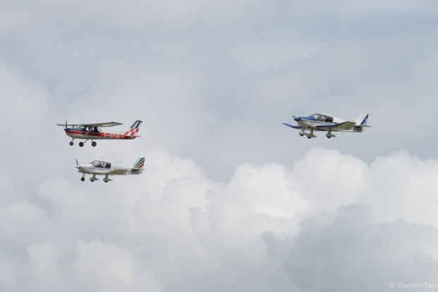 Some Headcorn based trainers put on an entertaining formation routine.